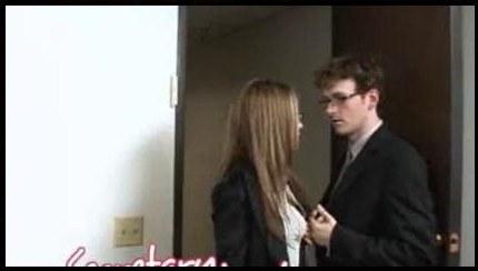 Secretary Jenna haze has hot sex in the Office!