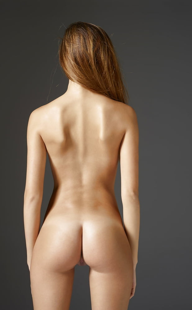 Awesome ass pictures waiting to be fucked!