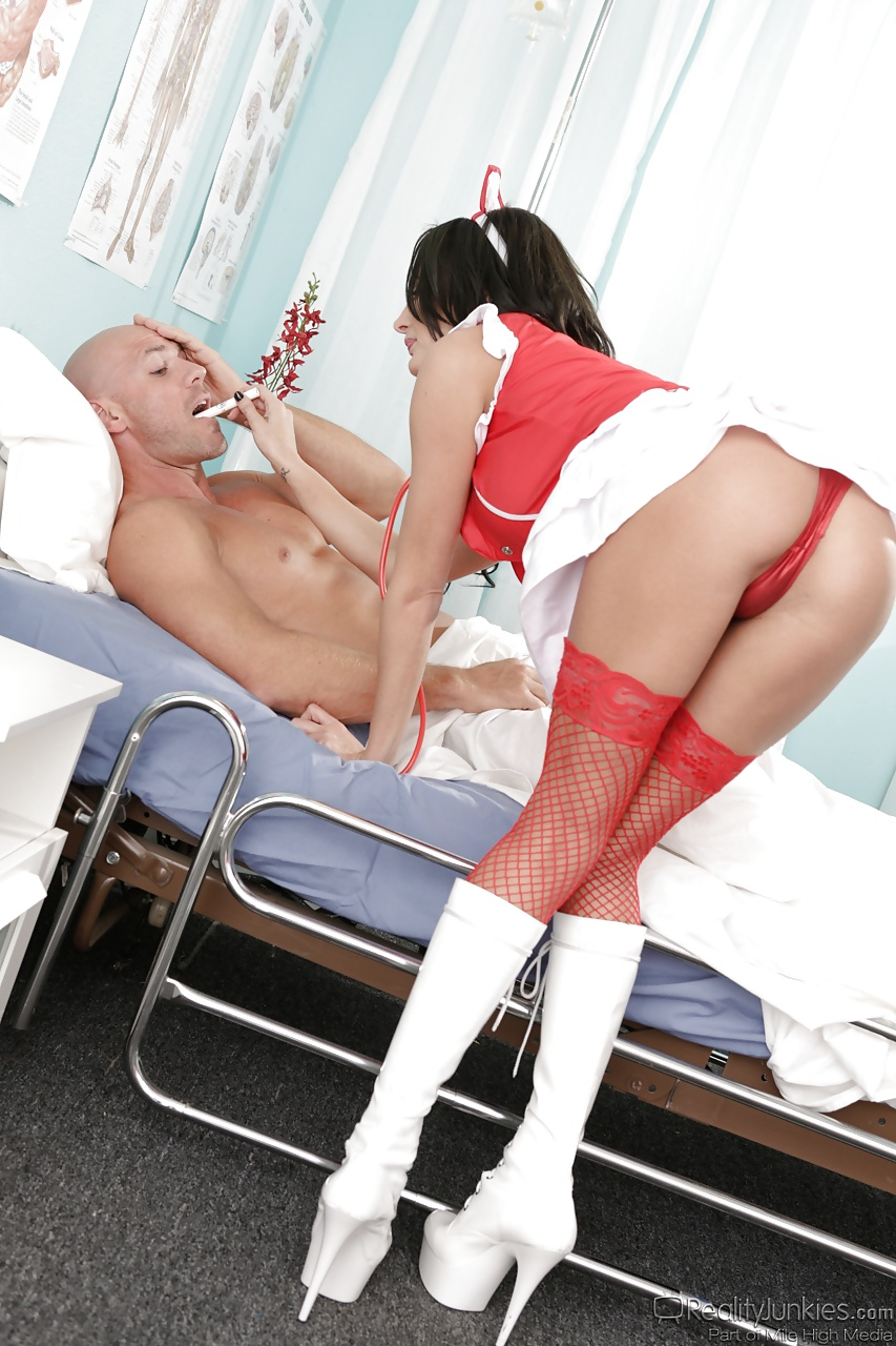 Nurse Alektra Blue developed a method of treatment with her pussy!