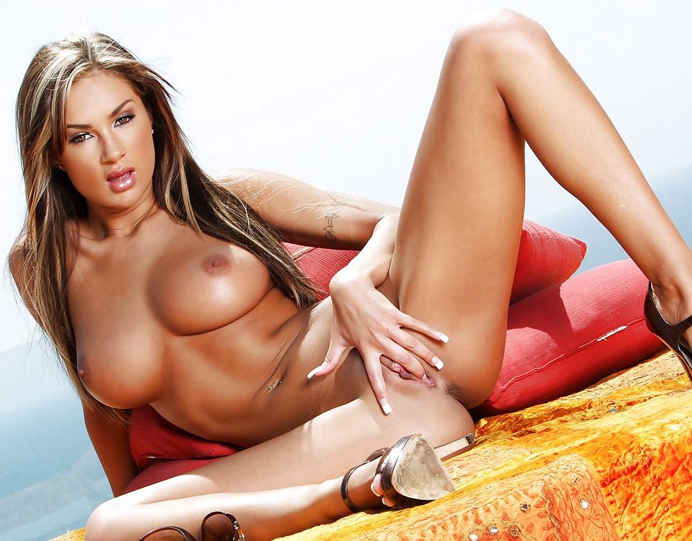 Sex porn star Amy Reid hot pictures
