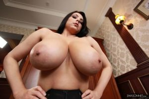 30 pictures of women with extreme large breasts