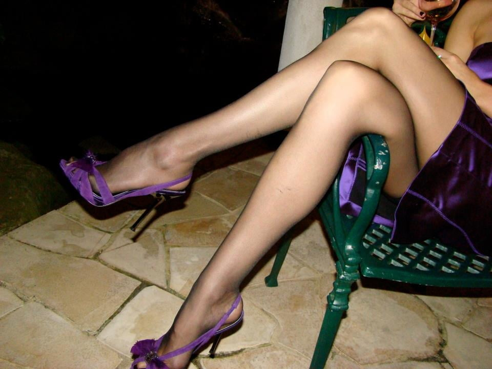 Beautiful pictures for those who have a leg fantasy