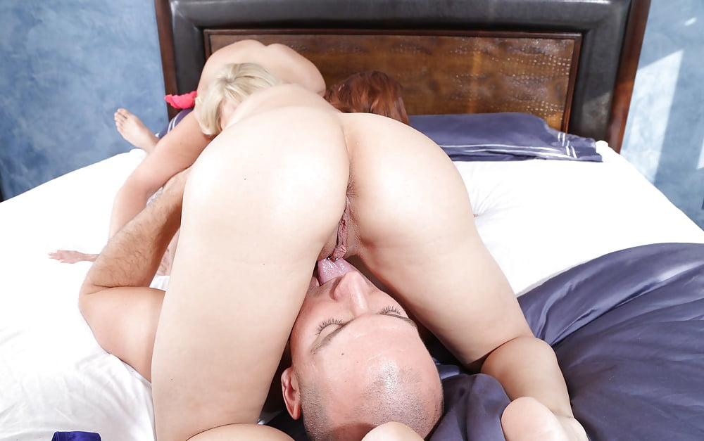 Alexis Golden and Diamond Foxxx super threesome