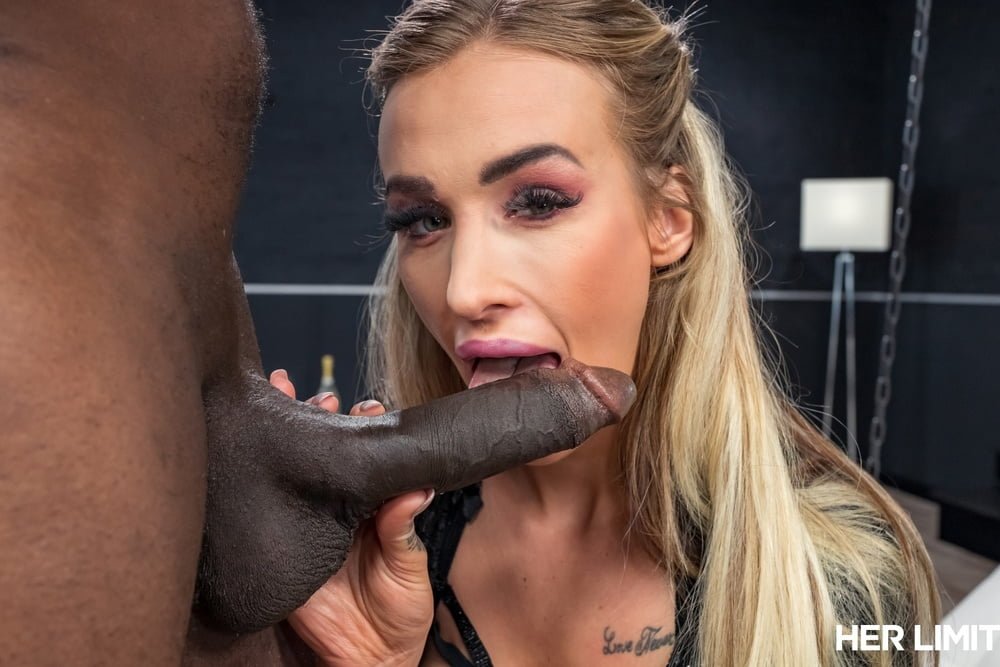 Blonde bitch and black with big dick anal sex!